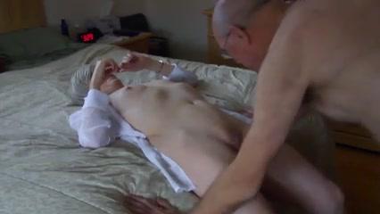 amateur filming cunnilingus porn